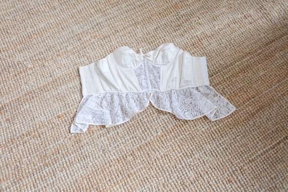 Vintage 00s White Lace Corset Top - image 4