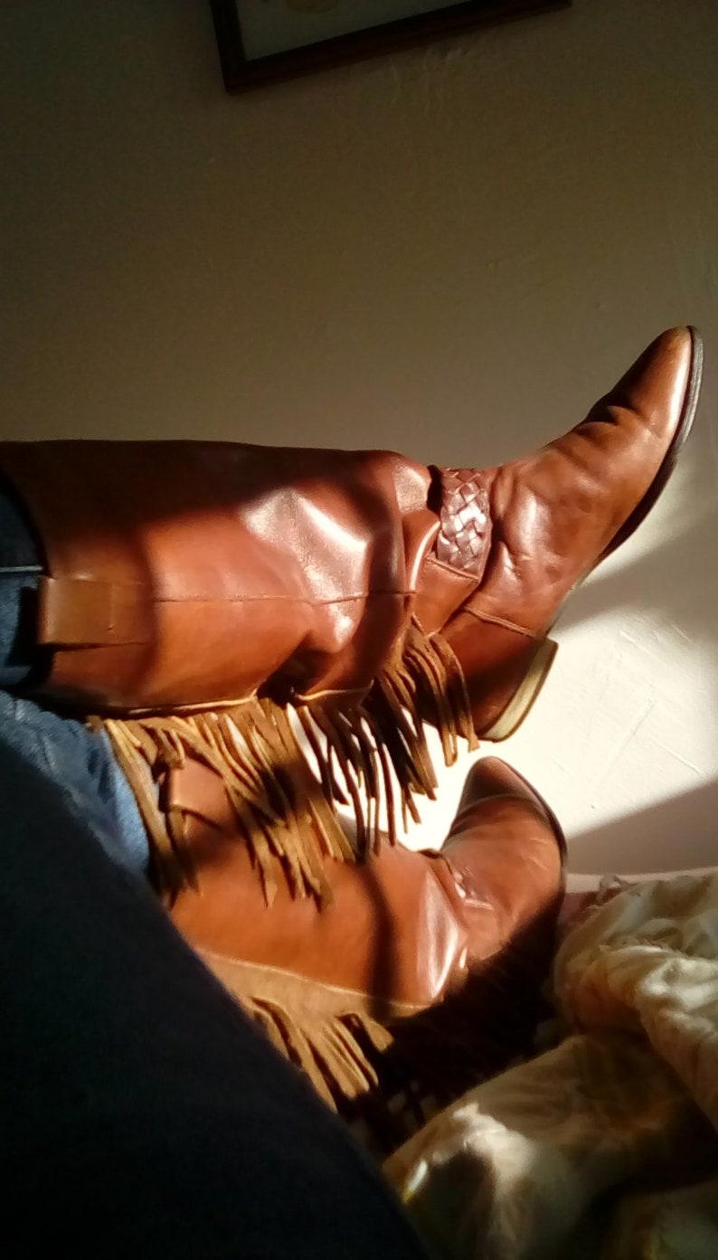 cf368b6292b3 Vintage women s brown leather Penelope fringe boots size 7