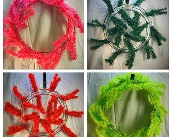 Fresh Green 15-24 Pencil Work Wreath Form