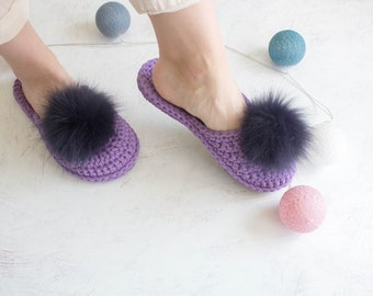 acaa6be629b93 Bridesmaid slippers with fur | Etsy