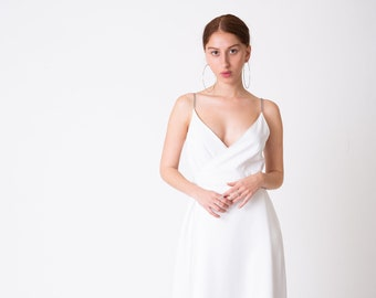 1b685014561 Minimalist couture wedding dress