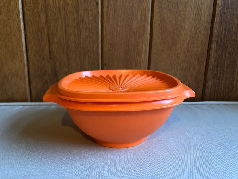 Vintage Tupperware Servalier Bowl Orange Avocado 840  Orange image 0