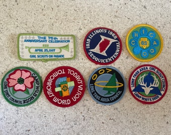 """Vintage Girl Scout Patch Lot   1960s to 1980s   Lot of SEVEN Big Patches   2"""" Round Patches"""