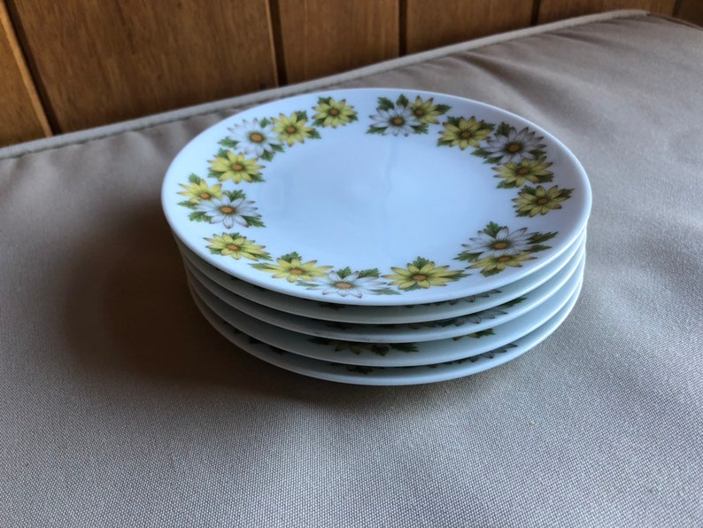 Noritake Marguerite Dessert or Bread and Butter Plates  5  image 0