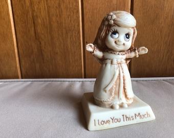 Vintage Big Eyes R&W Berries Figurine 1970s #9125 I Love You This Much Kitsch Birthday Valentine's Day Gift