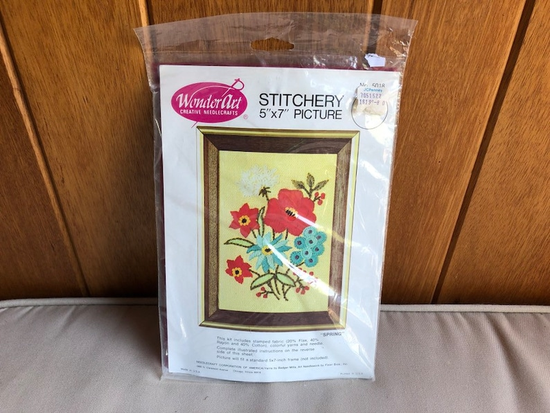 Vintage Floral Crewel Kit  WonderArt Creative Needlecrafts image 0