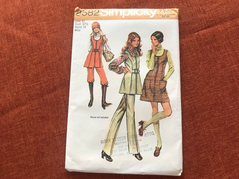 Vintage Simplicity Sewing Pattern 9582 from 1971 Size 10  image 0