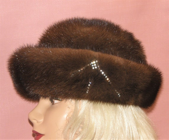 Very pretty elegant brown mink hat movie star Free