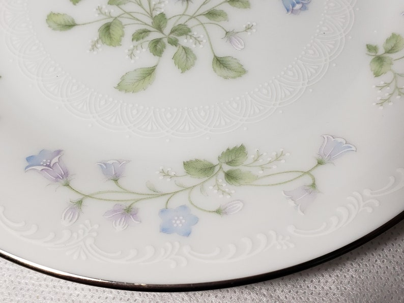 Dessert Plate 6.25 Lavender /& Blue Flowers With White Raised Trim and Platinum Trim #2753 NORITAKE Sweet Violets China Discontinued