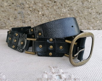 80s heart studded light tan genuine leather belt silver toned metal love heart studs rock and roll chick western cowboy small vintage