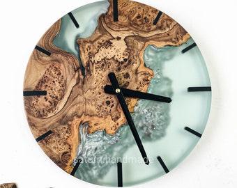 Epoxy and wood wall clock, Wood clock, epoxy resin wood, epoxy resin, handmade, loft style, modern home decor