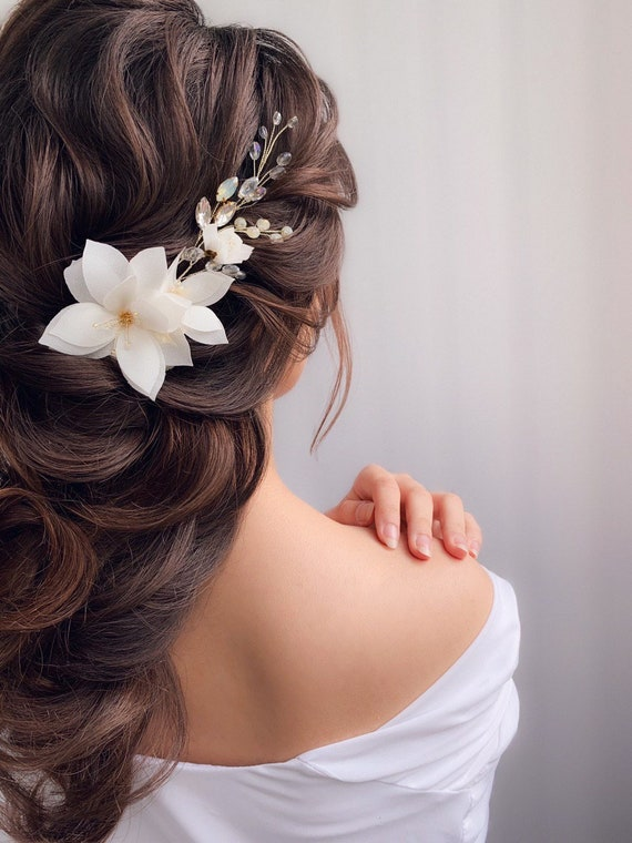 Wedding white silver headpiece Floral design Bridal floral hair pins Wedding white flowers hair pins set of 4 Flower hair accessories