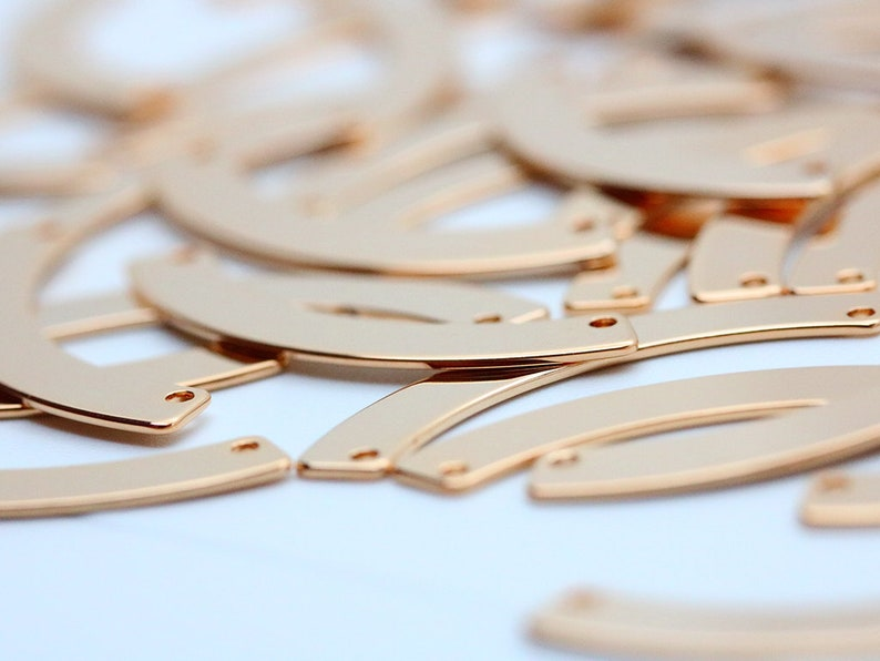20pcs Tag 2 Holes Stamping Necklace Pendant Nickel Free Curved Bar PKR14 Rose Gold Connector Bar 35x5mm Personalized Curved Blank Bar