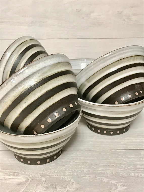 Ceramic bowls/soup bowl/cereal bowl/yoghurt bowl/dessert bowl/ceramic bowl/fluted bowl/white bowl/handmade bowl