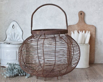 Rusty Metal Wire Wall Basket with Handle