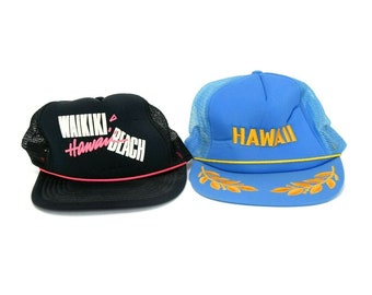 3c7450bbb89ff Vintage Lot of 2 Hawaii Theme Flat Brim Adjustable Snapback Baseball Caps  Hat
