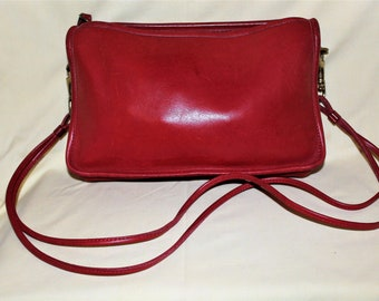 Vintage COACH Red Leather Purse 35a44dd4fdecd