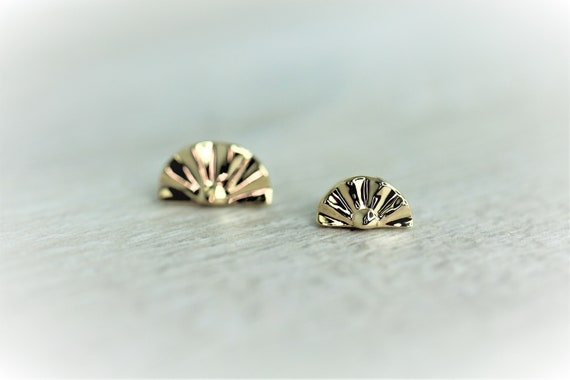 Body Jewelry Piercing 14g or 16g Internally Threaded pins 14K Solid Yellow Rose White Gold Bezel With Real Opal 25g Threadless pin