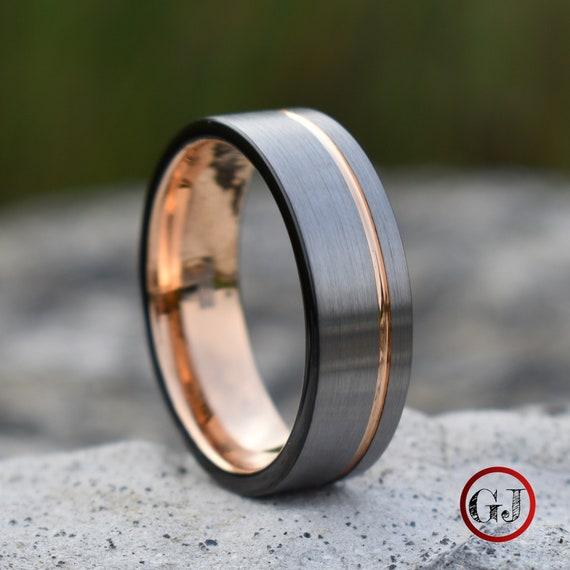 Tungsten Brushed Silver /& Black Off-Center Rose Gold Stripe Ring-Engrav Avail.