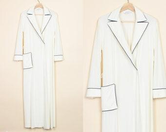 278a0b2813308 70s Terrycloth Robe - Medium | Vintage Clothing, 70s Bathrobe