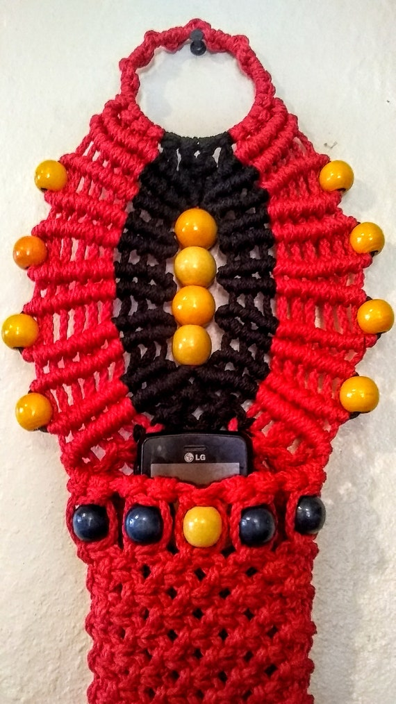 Macrame Mobile Pouch, Hand Crafted, Cell Phone Holder, Black and Red, Remote Control Holder
