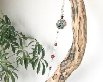 Trapeze Flowers Shabby Chic Style Flower and Driftwood Suncatcher Upcycled Jewelry