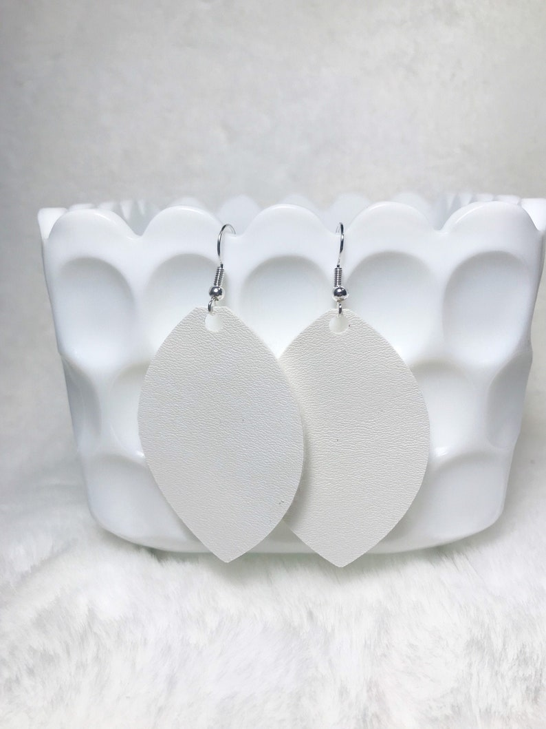 XL White a Faux Leather Leaves