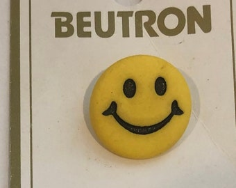 67bd54f01b Beutron Smiley face buttons