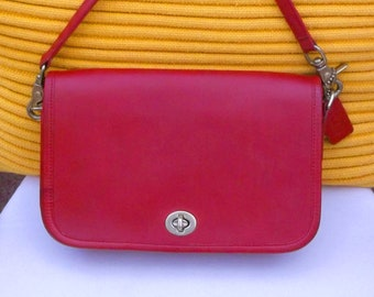 Coach Vintage Pocket Purse 9755 Penny Dinky leather Shoulder Bag Red Small  Crossbody Authentic 80s VGC Rare 220eef5be7c85