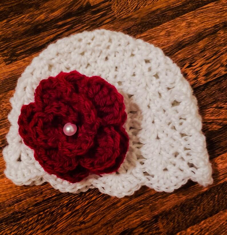 Baby crochet beanie with flower