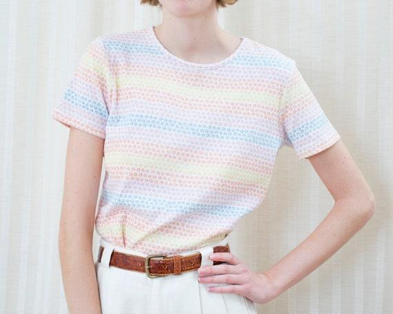 90s rainbow striped tshirt small   pastel horizont