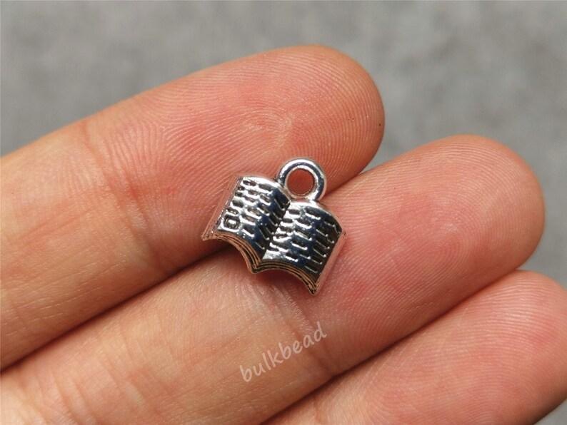 30 x Tibetan Silver LITTLE STAR 11mm Charms Pendants Beads