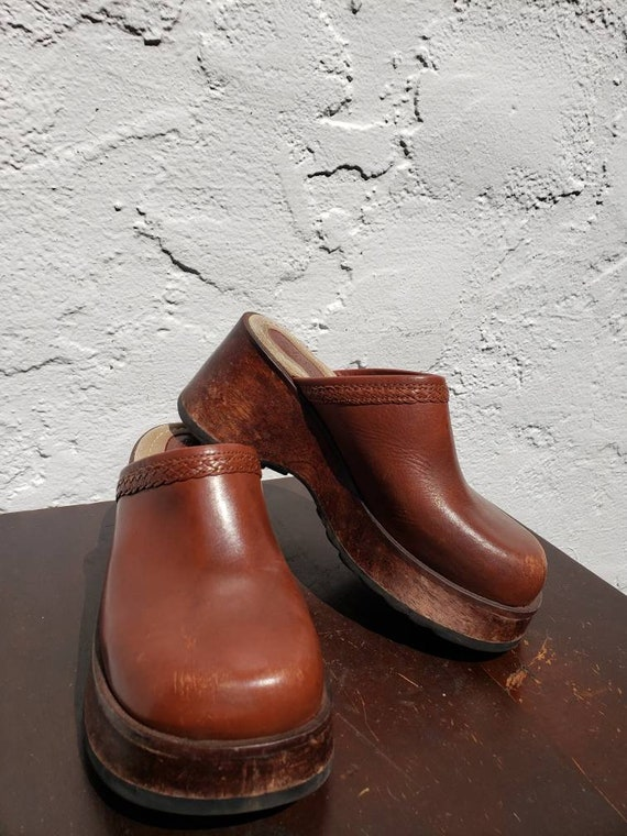 1970s style Via Natural Brown Leather Platform Clo