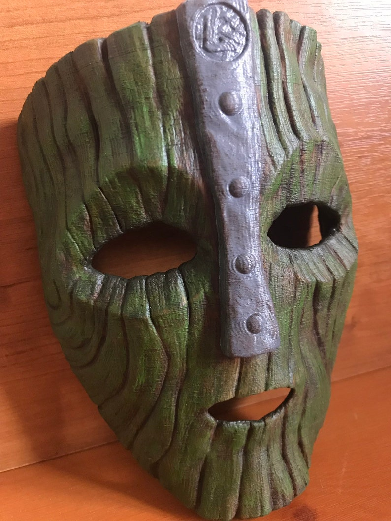 3D printed and painted Loki mask | movie prop
