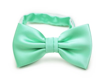 633b6050f199 Mint Green Bow Tie | Solid Color Bowtie in Bright Mint Green | Spearmint Green  Bow Tie (mens size, adjustable length, pre-tied style bowtie)