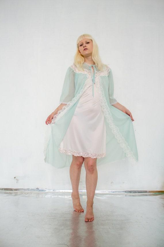 Vintage angel sleeved light green robe / Lingerie