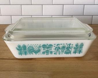 Pyrex Butterprint 504 Refrigerator Dish with Lid