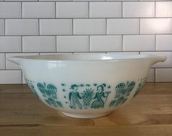 Vintage Pyrex Butterprint 443 Cinderella Mixing Bowl