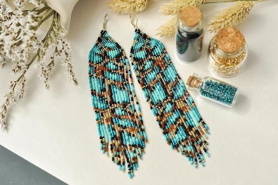 Dainty extra long beaded earrings with animal print Leopard print Seed bead earrings Long earrings emerald earrings Chandelier earrings
