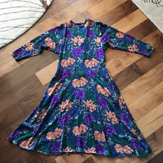 Fun 1980s Goldworm Dress with Floral Design and Po