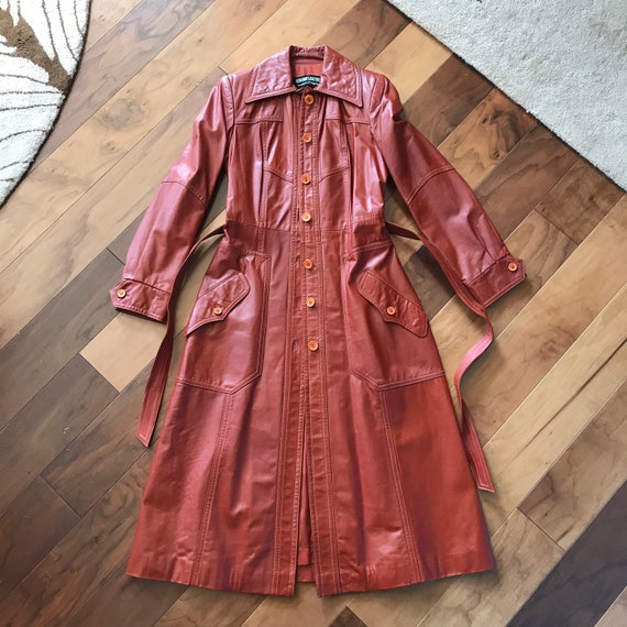 Fall Ready 1970s Brick Red Leather Trench Coat wit