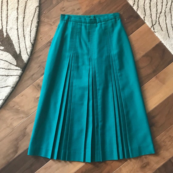 1980s Emerald Green Pleated Campus Casuals of Cali