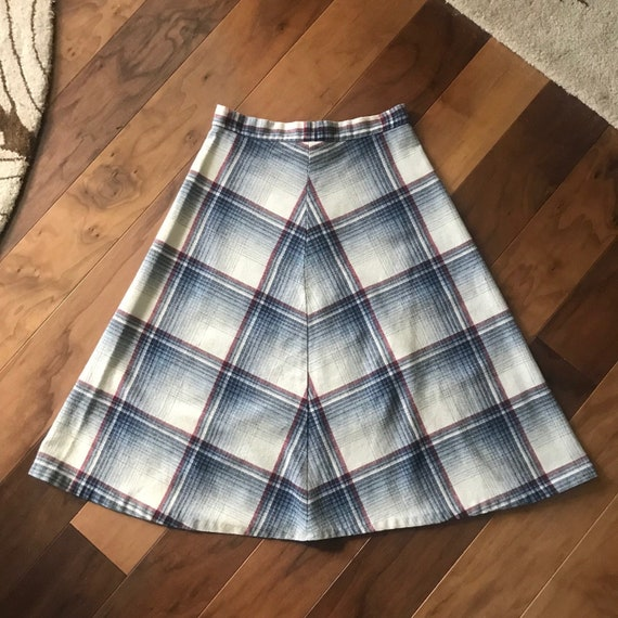 Lovely 1970s A-line Wool Plaid Skirt in Cream, Blu