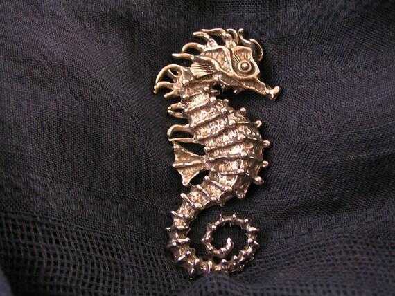Marine Seahorse Metal Enamel Lapel Pin Badge Tie Pin
