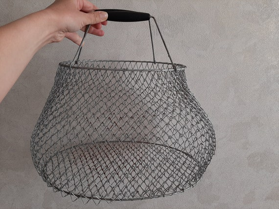 Picnic basket fish bag avoska vintage basket wire storage basket shopping bag market basket egg bag Rare small Soviet metal avoska