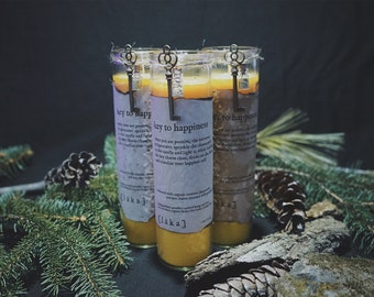 """key to happiness [ l ä k a ] 8"""" intention candle - enhanced with organic croatian chamomile and key charm"""