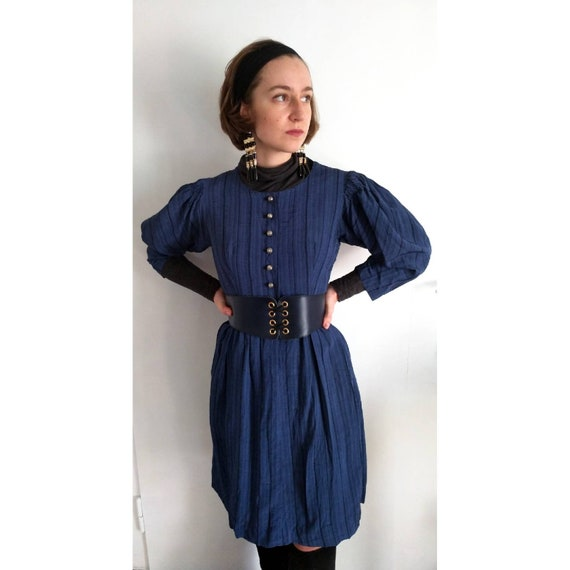 Austrian 60s Hand smocked winter Dirndl with puff