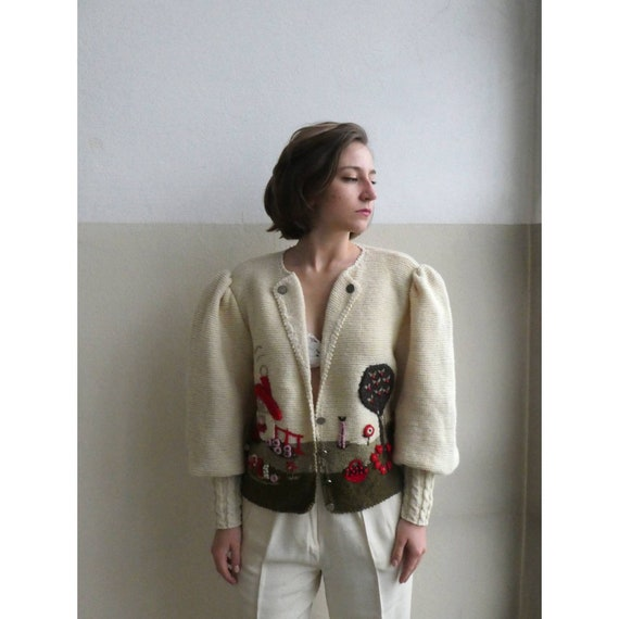 Breathtaking austrian scenic tracht sweater with g