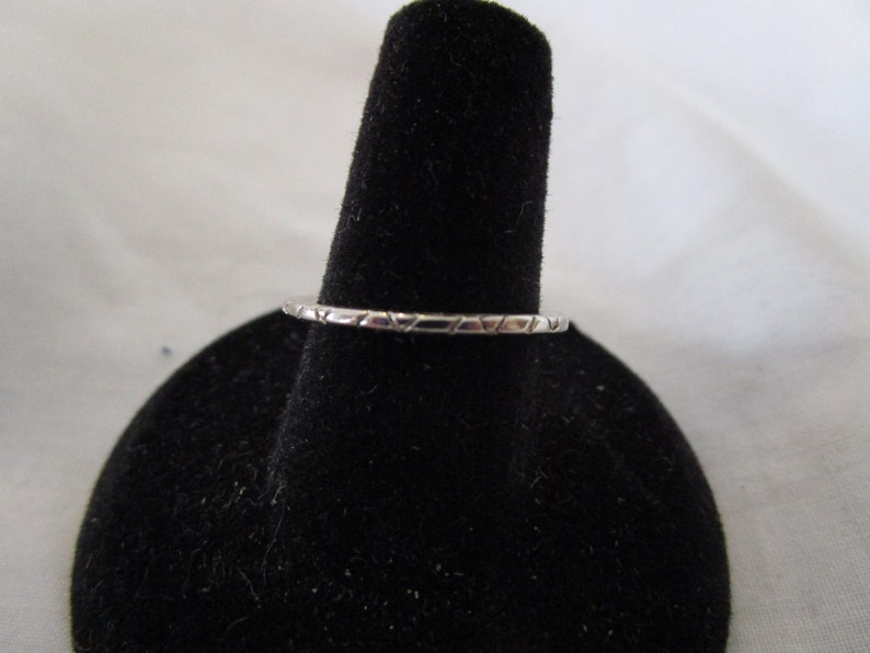 Vintage Silver Chrome Band Ring