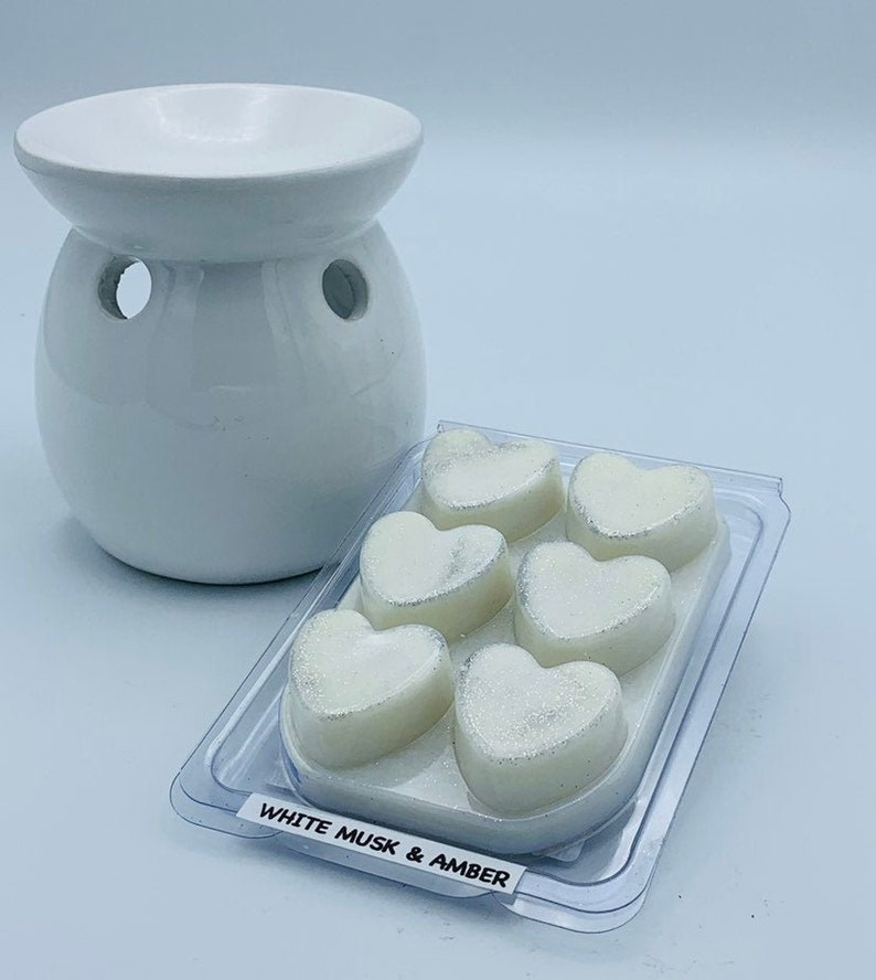 White musk and amber soywax melts